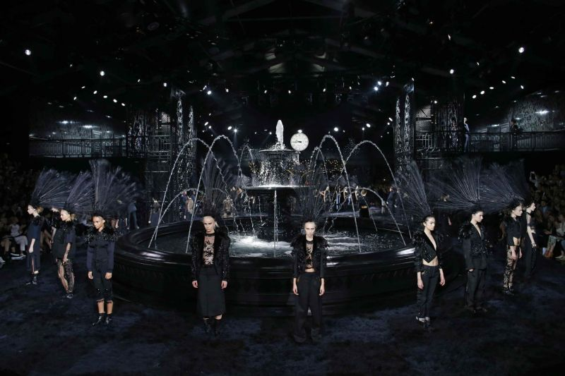 Mame Fashion Dictionary: Marc Jacobs Last Louis Vuitton Show