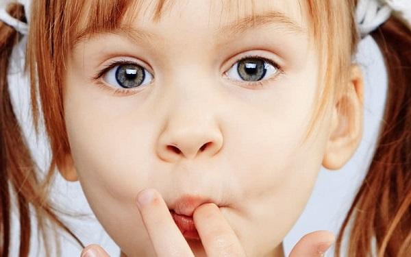 Как избавиться от вредных привычек для детей безболезненно?