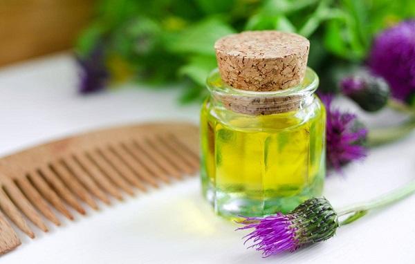 Репейное масло — чудо для волос