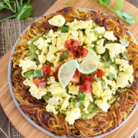 Spiralized Potato Breakfast Pizza {Whole30}
