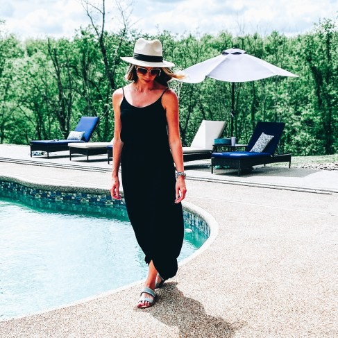 Cute Summer Dresses for Moms featured by top Pittsburg mom fashion blog, Fashionably Late Mom. - Maxi Dress