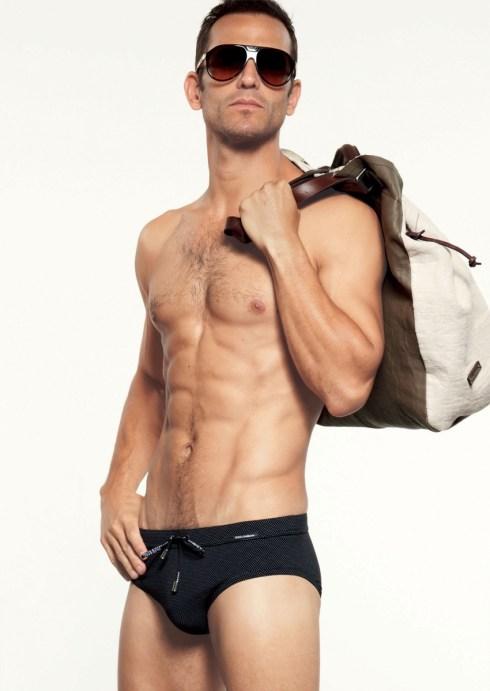 Dolce-Gabbana-Gym-Collection-2013-06