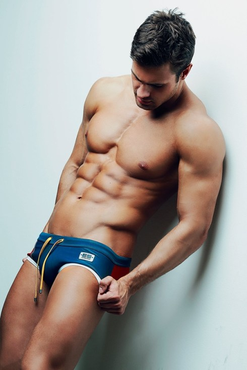 Kirill-Dowidoff-for-ES-Collection-Swimwear-05