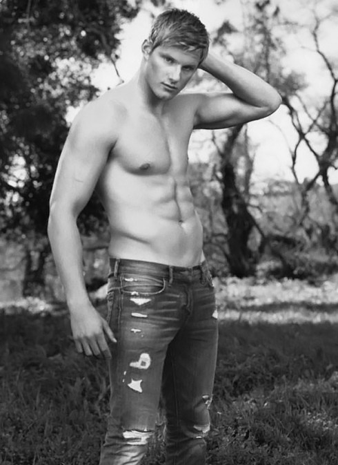 Alexander-Ludwig-for-Abercrombie-Fitch-campaign-2013-02