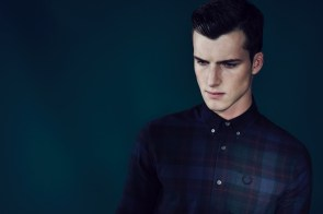 800x532xfred-perry-laurel-wreath-blank-canvas-tartan-collection-johnny-george-0003.jpg.pagespeed.ic.8SQZl3l31l