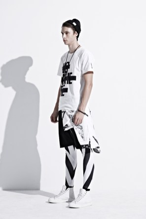 ionism-2013-fallwinter-astray-from-present-lookbook-6