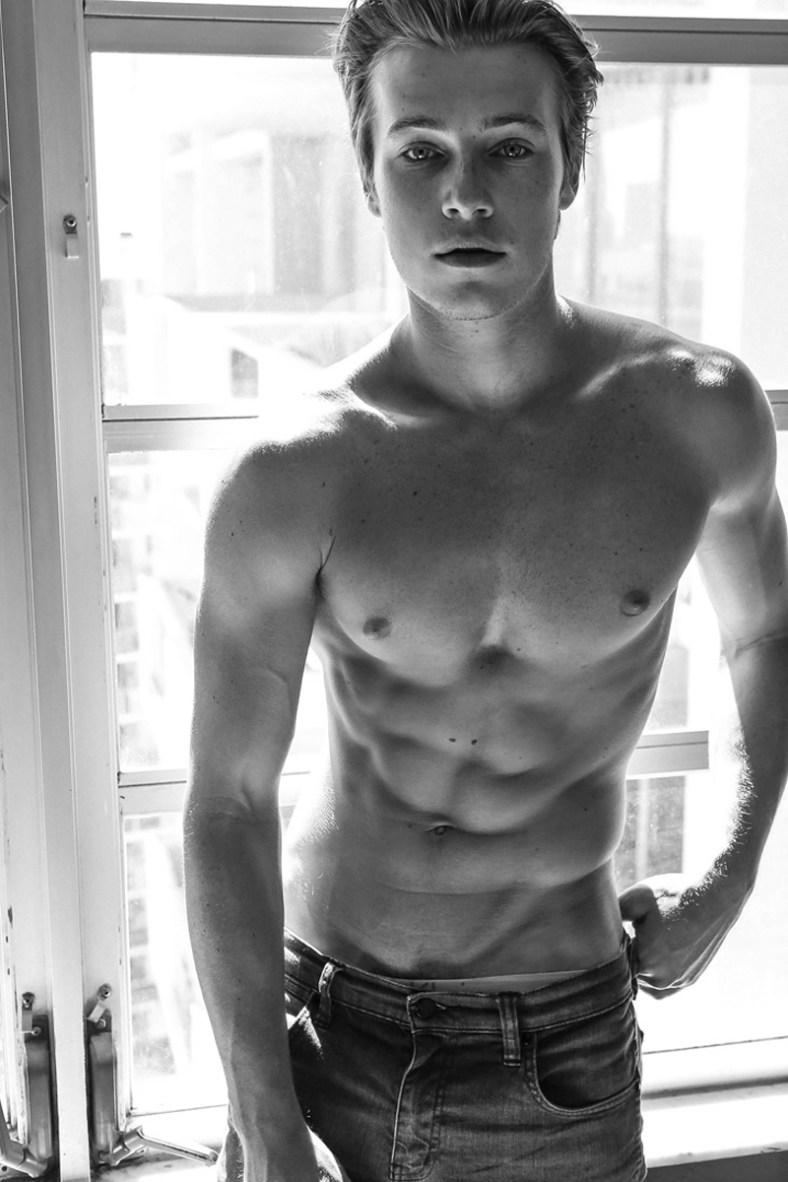 Jake-Cassar-by-Photographer-Jake-Senfeld-07