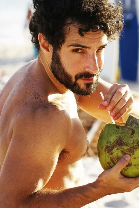 Marco Antonio Arcoverde Cals na H Magazine 06