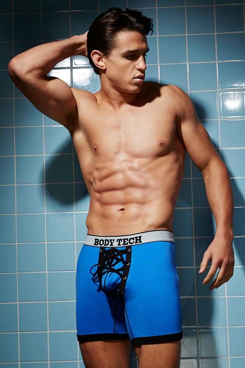 Joe-LoCicero-For-Undergear-2014-10