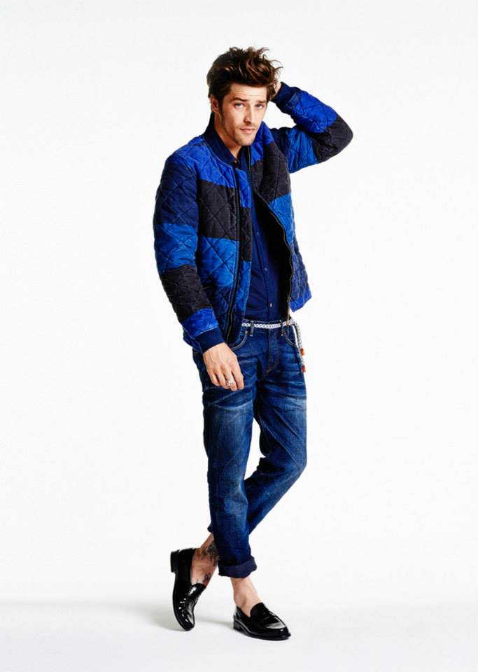 Model: Catch 22 | Fit: Tailored slim | Wash: Clockwork | Weight: 11 1/2 oz.