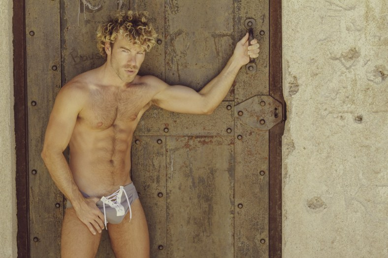 DW Chase in Modus Vivendi by Cory Stierley   Special Featuring