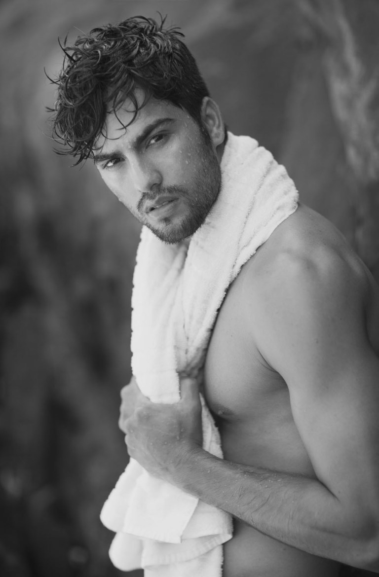 Photographer Xavier Samré shares with us his recent black and white series featuring the striking Wellington Carlos at Andy Models. Assistant: Paulo Pinho.