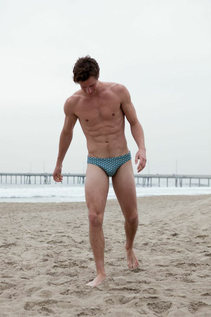 Finally gorgeous model Wesley Campbell gets fresh snaps by Wadley Wadley photography, Wesley is wearing classic speedo from MrTurk, definitely he's got a beautiful toned body to wear it. Nice looks!