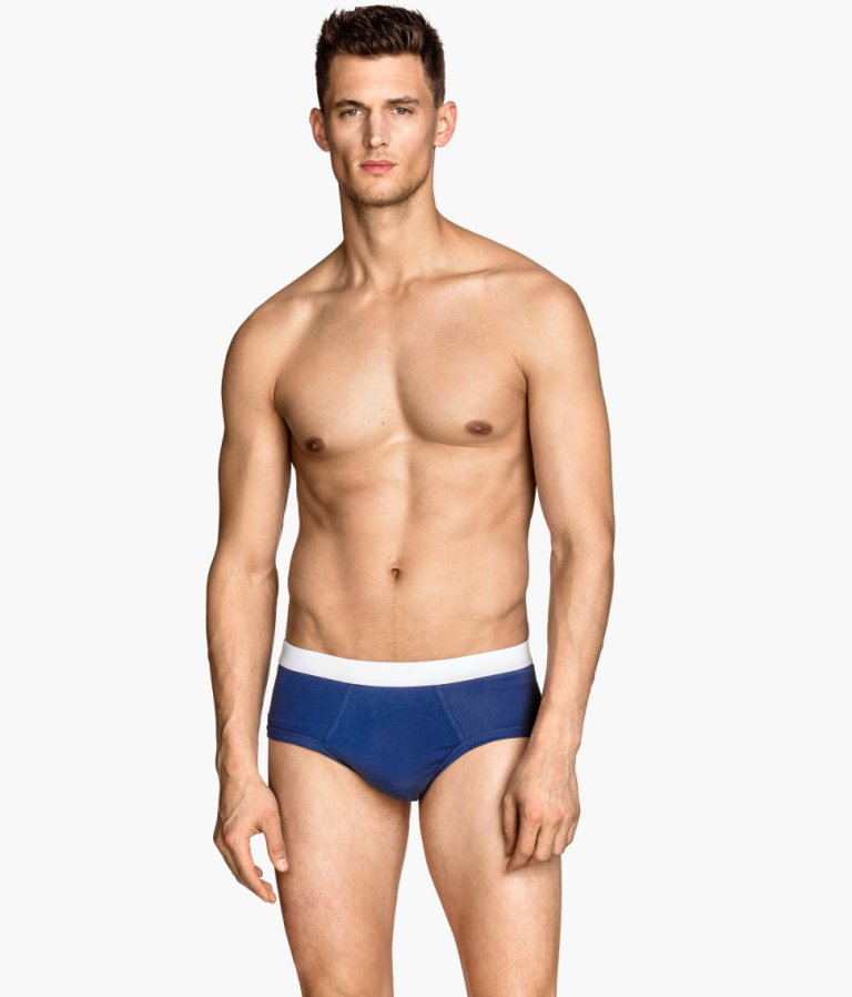 Top model Garrett Neff fronts new H&M Underwear and Swimwear ad shots.