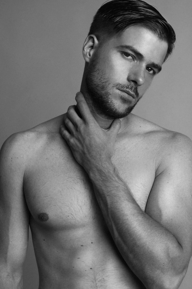 Thrilled to introduce you for the very first time, an exclusive for Fashionably Male a portrait session with Spanish newcomer Francisco Perez Gibert shot by TDV Photography in Madrid. Francisco is looking  gorgeous and sexy, kind of charming pretty eyes .Slay!