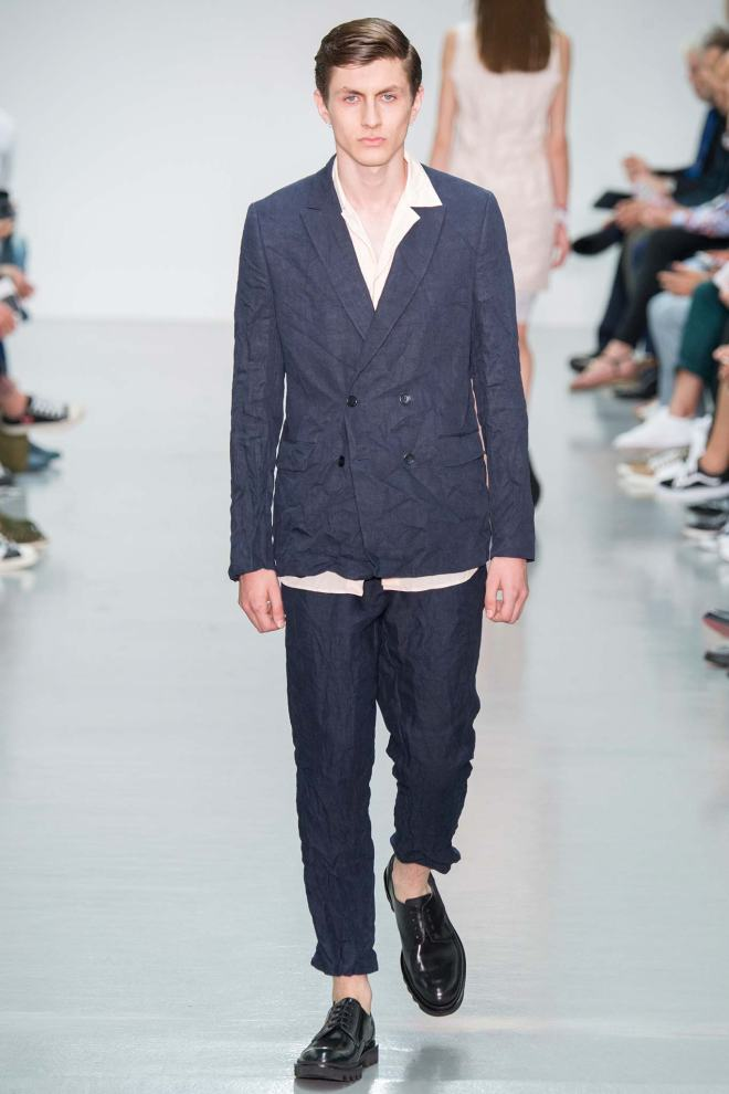One of the most striking outfits in Matthew Miller's Spring presentation featured a smartly tailored blazer over a linen tunic that hung in shredded tatters.