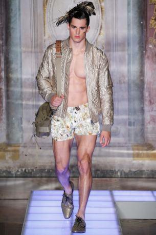 Moschino Menswear Spring2016498