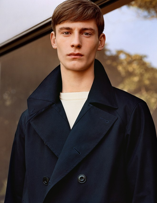 2 biggest fashion brands joins together to release a comfortable wearable casual apparel Uniqlo x Lemaire, to show off the new garments Photographer Alasdair McLellan featuring model Matt Doran.