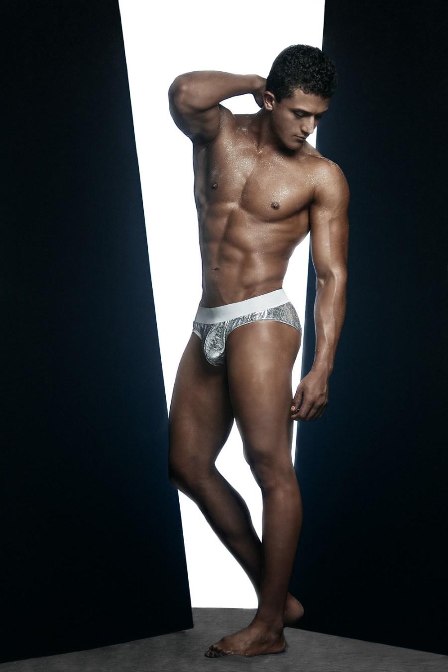 Erik Ramos by Chris Femat for Fashionably Male416