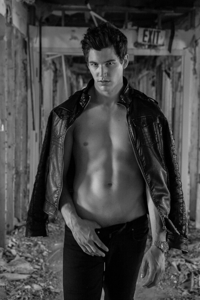 Attractive exclusive new images of male model Jesse Duval meet up again with photographer Juan Neira in some  old school look to these last days of warm fall weather. There's definitely and inspiration from the early 60's.