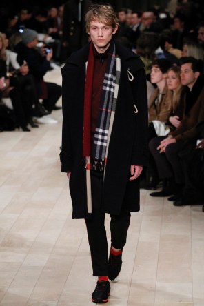 Burberry FW 2016 London (7)