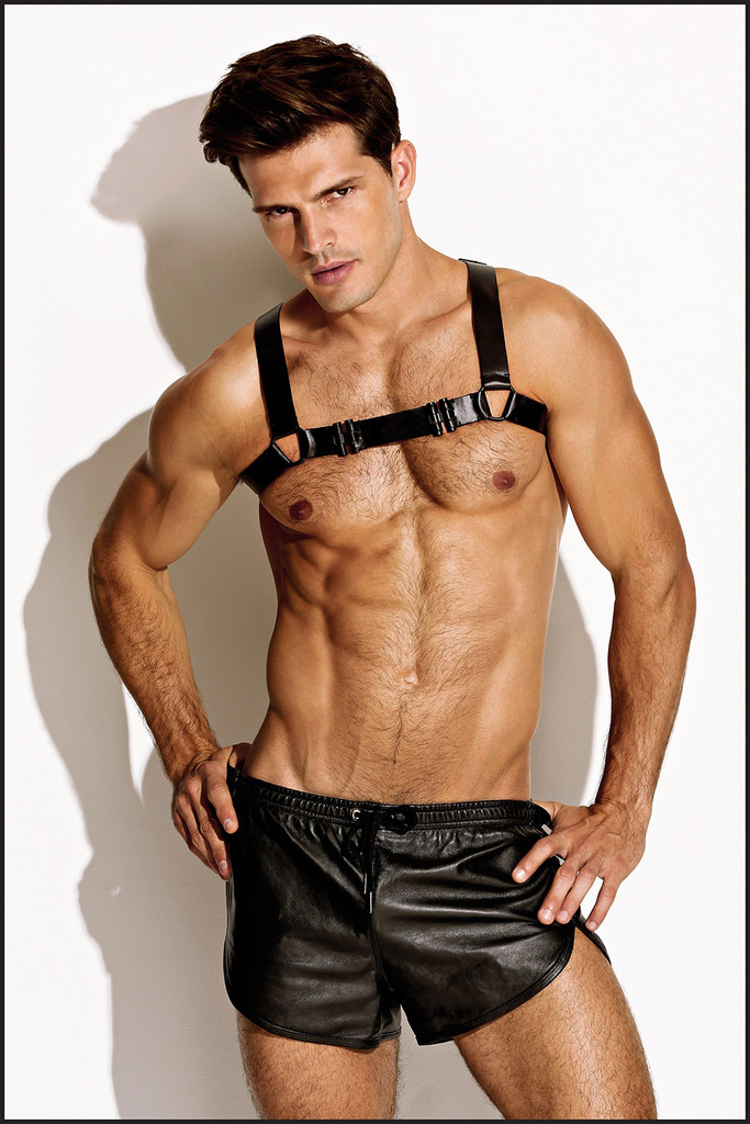 Leather_Black_Black_chest_harness_SN_front_1024x