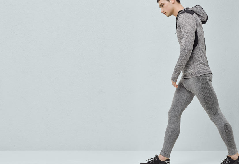 The Performance Running Line for its Spring 2016 by MANGO Man is now available in every single store around the world. Runners looking for aerodynamic design, comfort, stretch fabric which absorbs and eliminates damp, keeping the body dry, non-chafing flat lock seams. We can see vest, jackets with breathable laser-cut panels and geometric prints. The Performance Running Line also offers elastic waist with ajustable drawstring, stretch fabric providing maximum comfort and freedom of movement, speckled design, elastic waist.