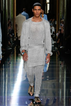 BALMAIN MENSWEAR SPRING SUMMER 2017 PARIS (10)
