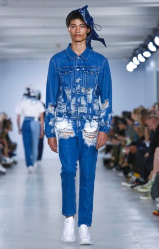 CHRISTOPHER SHANNON MENSWEAR SPRING SUMMER 2017 LONDON (16)