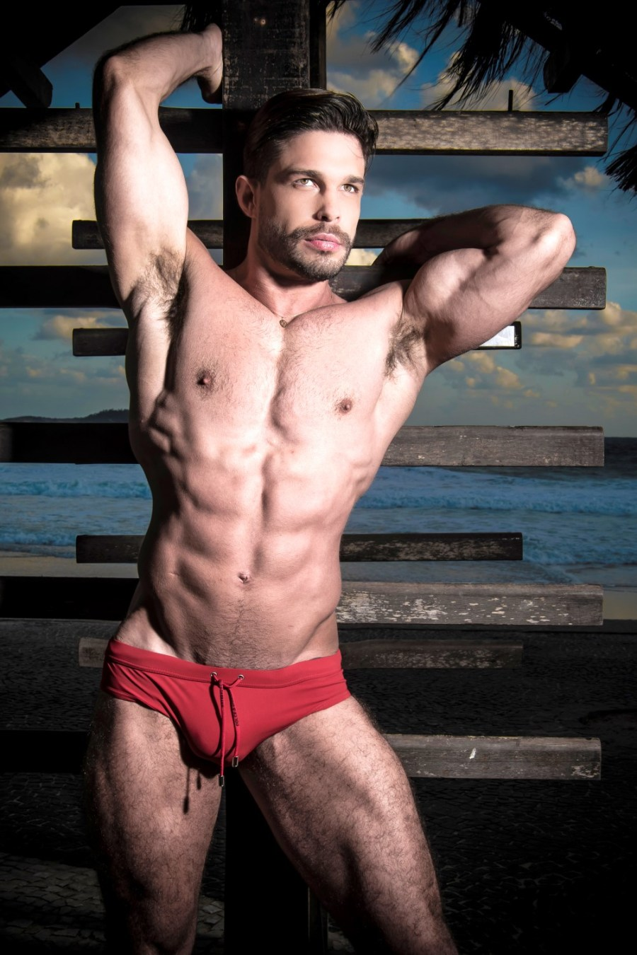 BTCHS Blog featuring a Vipado's brand new story with personal trainer Julian Gil hunk of 30yo 6'1 the sexy hunk posed for the lenses of Leo Castro in Arporador, in Rio de Janeiro. Check Out!