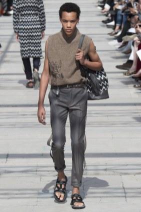 LOUIS VUITTON MENSWEAR SPRING SUMMER 2017 PARIS (10)