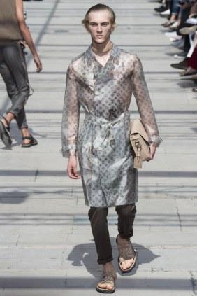 LOUIS VUITTON MENSWEAR SPRING SUMMER 2017 PARIS (13)