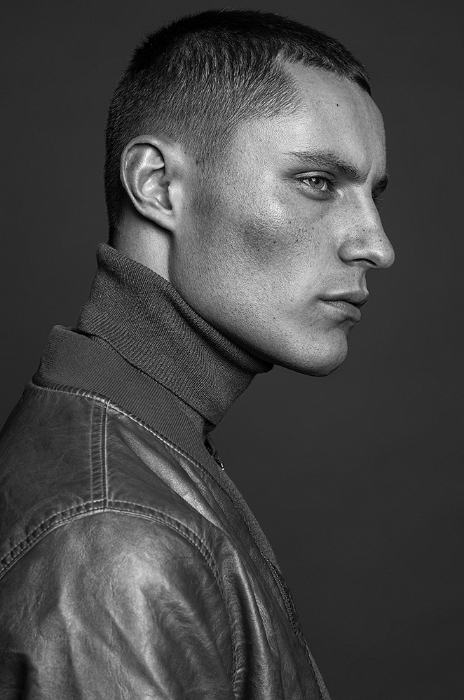 Let's meet this work by photographer Marnus Meyer a beauty and fashion photographer based in Cape Town, the model we can see is the beautiful Malcolm Henderson from ICE Models Cape Town @icemodelscpt @icemodelsjhb styled work by Ryno Zwarts.