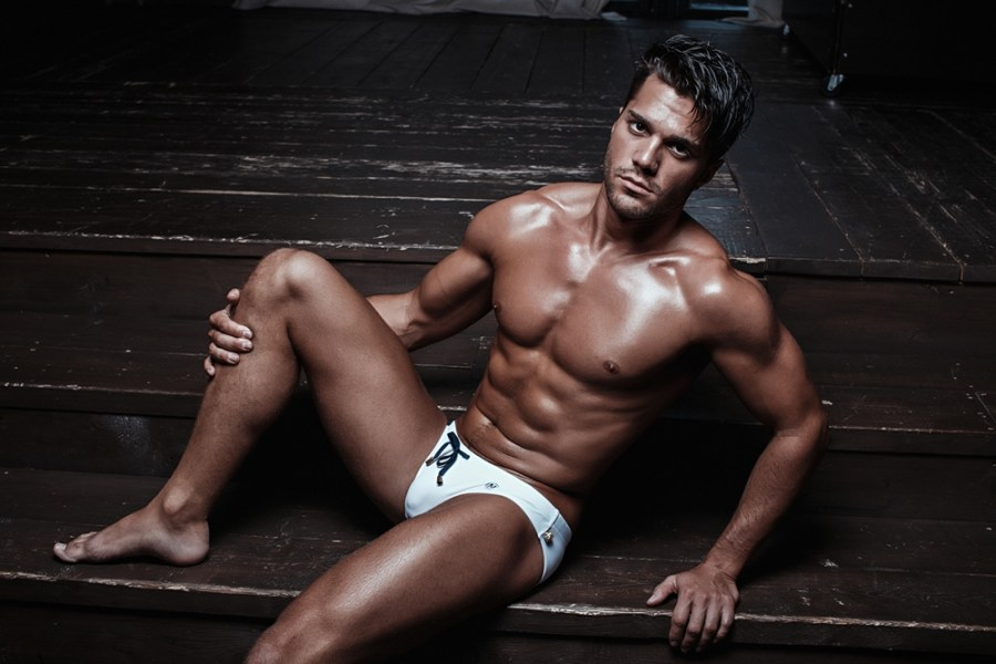 MARCUSE Tropical white 2