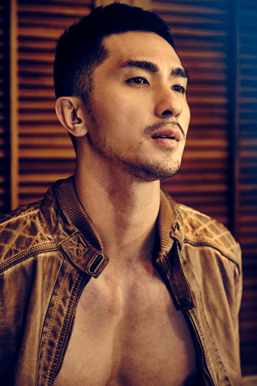 We literally didn't expect to see this in our dashboard. He's Ed Huang from NOW Model Management recently shoot by Yock Pheerachet, who's graduated from King Mongkut Institute (google it) and this guy is pretty damn good on beauty shots and body shots.