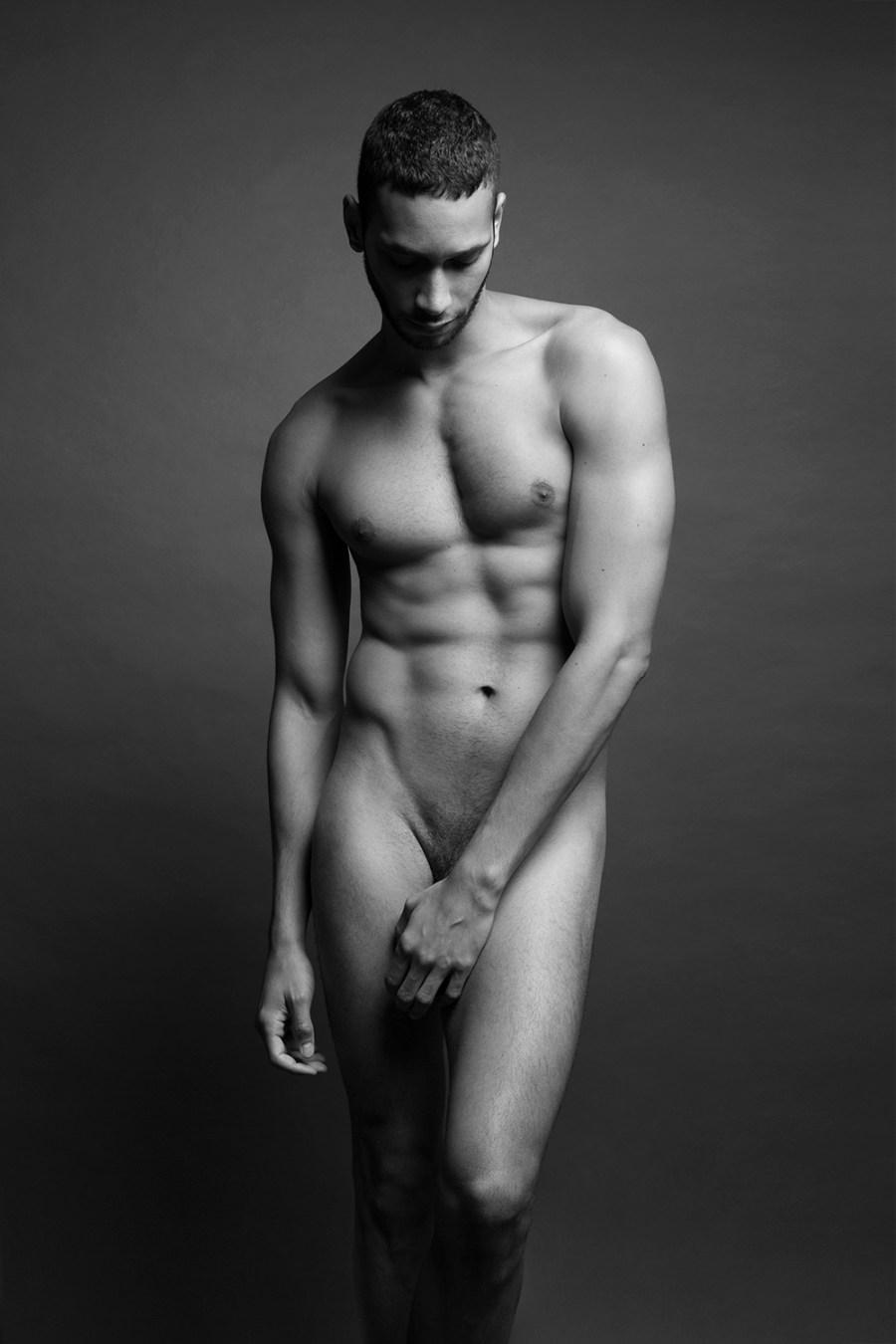 Sergio Acevedo by Ruben Tomas_Fashionably Male_03