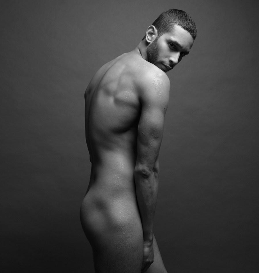 Sergio Acevedo by Ruben Tomas_Fashionably Male_05
