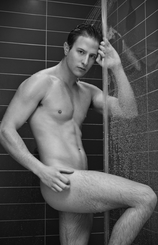 Stunning sexy aussie newcomer Jarryd Nash now living in Melbourne, did a photo shoot with Jason Oung for a fresh portfolio update.
