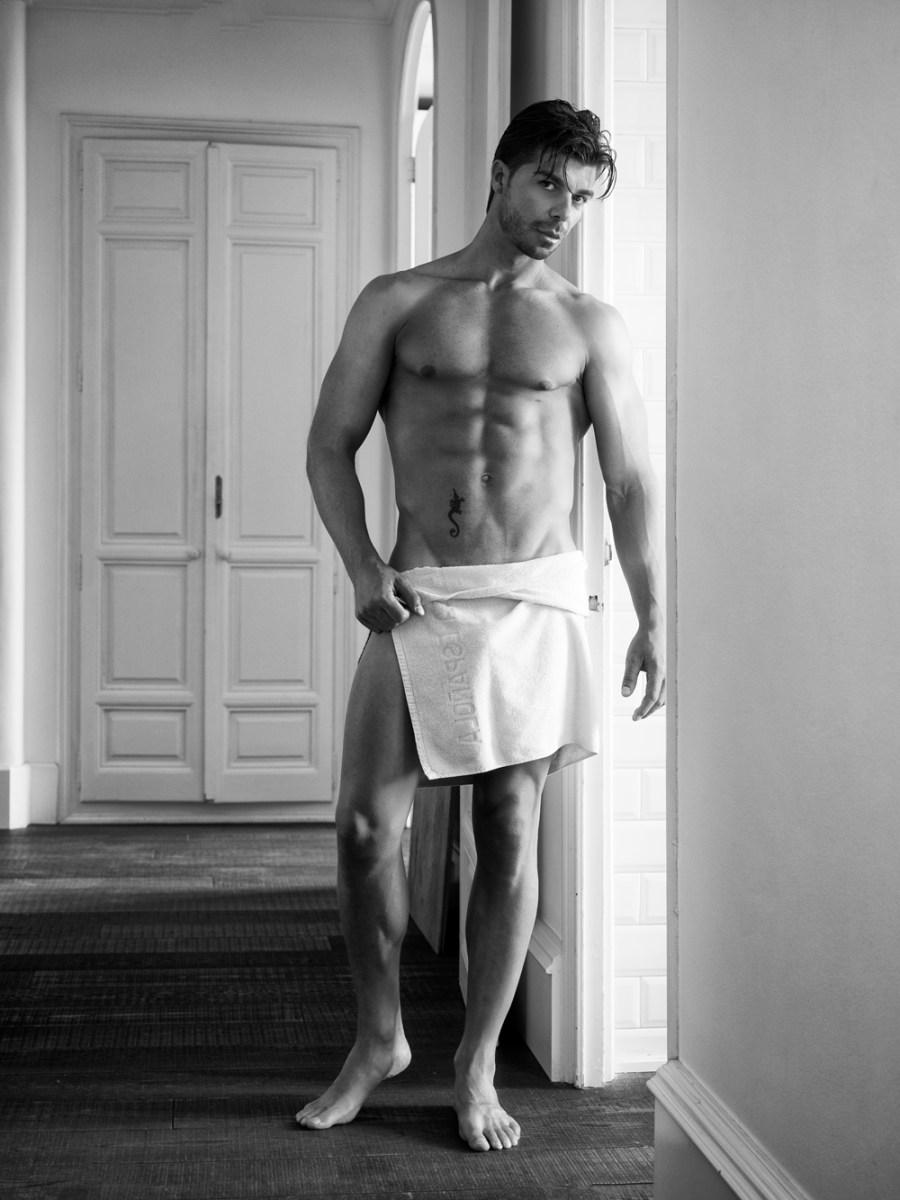 Wake up with this exquisite model Pedro Conesa by Antonio Lozano