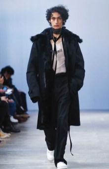ann-demeulemeester-menswear-fall-winter-2017-paris17