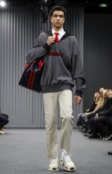 balenciaga-menswear-fall-winter-2017-paris2