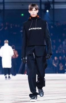 dior-homme-menswear-fall-winter-2017-paris4