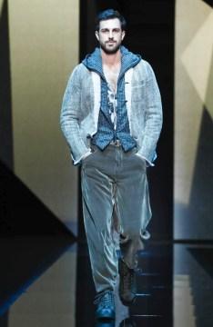 giorgio-armani-menswear-fall-winter-2017-milan54