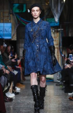 moschino-menswear-pre-fall-fall-winter-2017-milan47