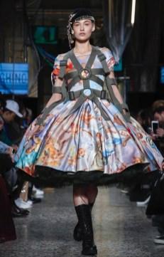 moschino-menswear-pre-fall-fall-winter-2017-milan48