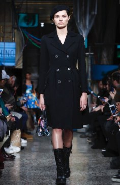 moschino-menswear-pre-fall-fall-winter-2017-milan49