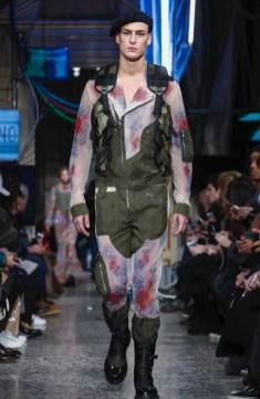 moschino-menswear-pre-fall-fall-winter-2017-milan60
