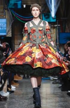 moschino-menswear-pre-fall-fall-winter-2017-milan9