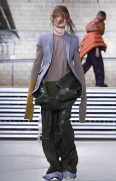 rick-owens-menswear-fall-winter-2017-paris3