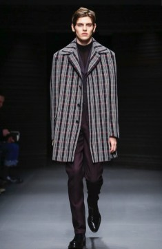 salvatore-ferragamo-menswear-fall-winter-2017-milan40